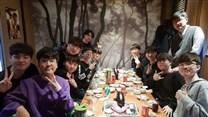 SKT官推更新:选手告别宴,再见亦是对手!