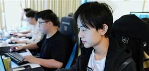 RNG:训练复盘交替循环 见证着前进的决心