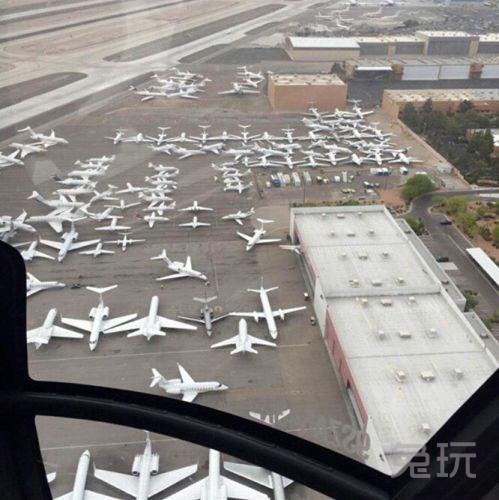 为看美国拳击世纪大战 私人飞机挤满机场
