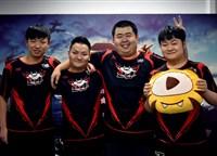 《虎牙天命杯》决赛第一日 兔玩专访JDG战队