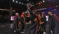 LPL成功卫冕 FPX 3:0击溃G2夺得世界冠军!