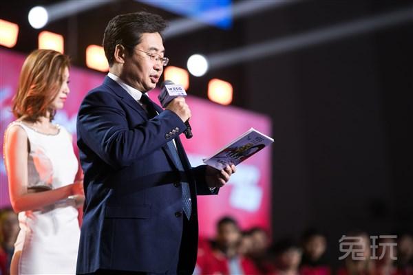 WESG2017亚太总决赛吸引了众多好手参与,去年星际项目包揽前两名的韩国选手再度归来,虽然冠军小太阳TY没能从炼狱般的韩国赛区杀出重围,但亚军maru和另两名世界顶级选手Dark和有世界虫王之称的Classic共同出战,主舞台首场比赛就是两位韩国选手带来的顶尖德比,让各位星际迷们大饱眼福。   据介绍,11日、12日两天,四大比赛项目都将完成所有的小组赛。小组赛每日第一轮比赛将从上午11:00开始,每个项目会有12名选手/战队晋级到第二阶段的淘汰赛中。《炉石传说》与《CS:GO》女子组的赛事,则会在